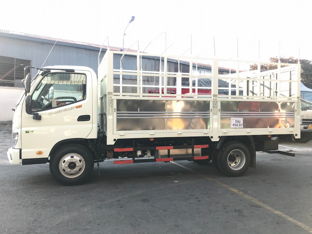 xe tải Thaco Ollin 490/Ollin350 thùng mui bạt